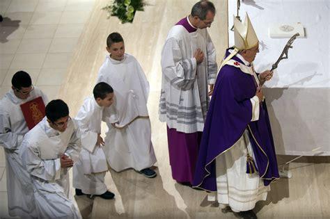 les couleurs liturgiques expliquees aux servants dautel