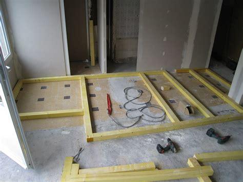 fabriquer estrade salle de bain table de lit