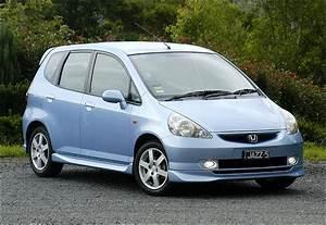 The Motoring World  Uk Recall  1 - Honda  2004 Jazz