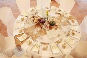 Chemin De Table Rose Gold : d coration de mariage blanc et dor id es et d ~ Teatrodelosmanantiales.com Idées de Décoration