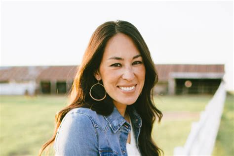 In A World Full Of Kim Kardashians, Be A Joanna Gaines