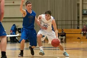 Men's basketball edges Hobart, improves to 10-2 - News ...