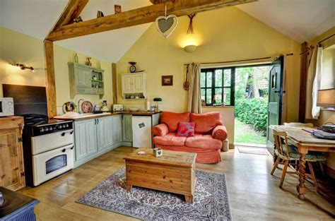 luxury cottage holidays deben barn woodfarm barns
