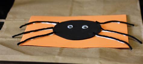 easy halloween crafts  preschoolers thriving home