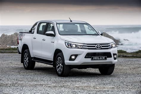Conquer all types of terrains with the new toyota hilux. Toyota Hilux range bolstered by new derivatives - Cars.co.za