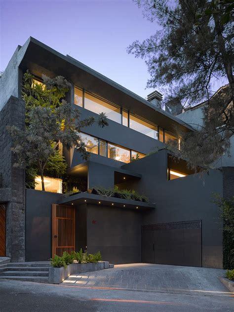 modern interior design  incorporates tropical elements
