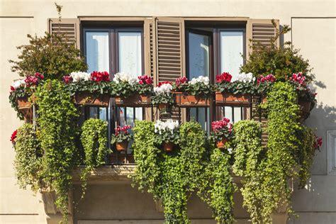 Kleine Balkone Schön Gestalten by Viel Platz Auf Kleinen Balkonen Schaffen