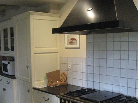 demonter une hotte de cuisine installer une hotte de cuisine dootdadoo com idées de conception sont intéressants à votre décor