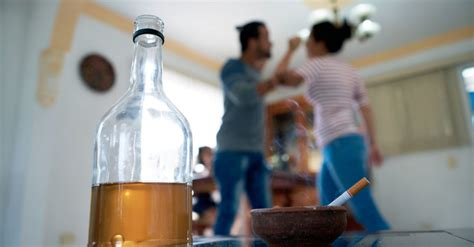 maternal binge drinking linked  mood problems