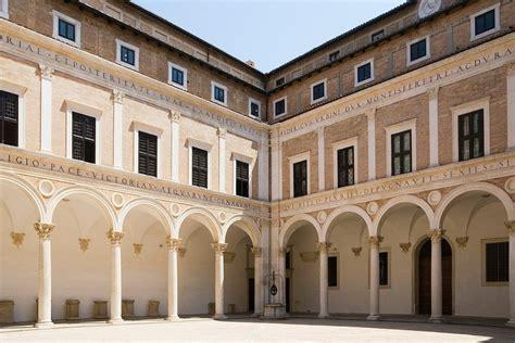 cortile palazzo ducale urbino palazzo ducale di urbino galleria nazionale delle marche