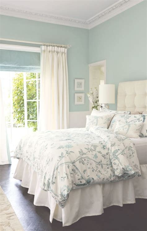 Bedroom Decorating Ideas Light Green Walls by 1000 Ideas About Light Green Bedrooms On