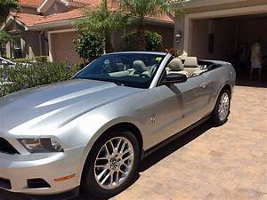 Silver 2011 Ford Mustang convertible automatic V6 For Sale - MustangCarPlace