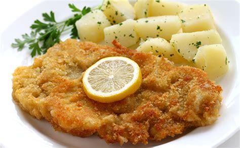 cuisiner des escalopes de veau escalope de veau viennoise et ses pommes de terre wecook