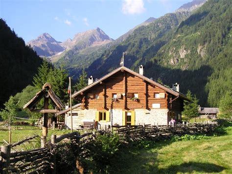 rifugi  bivacchi nelle alpi orobie rifugio alpini