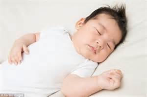 Half Of Babies At Risk Of Suffocating In Their Sleep Because Of Loose Blankets, Experts Warn Cellular Blankets Super King Size How To Crochet A Easy Chevron Baby Blanket National Park Service Quilted Tutorial Edging For Pink And Grey Home Front Double Electric Dual Control Thermal Insulating Pizza Oven