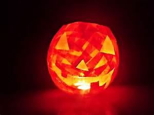 Comment Faire Une Citrouille Pour Halloween : bricolage halloween fabriquer une citrouille lumineuse en papier ~ Voncanada.com Idées de Décoration