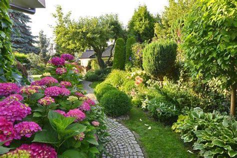 Japanischer Garten Rindenmulch by Gro 223 Er Garten Pflegeleicht