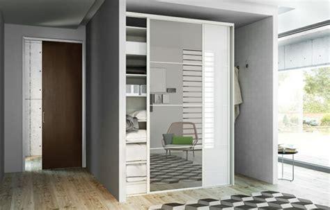 porte placard chambre la porte de placard coulissante 104 cool modèles