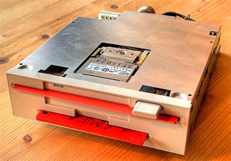 3 5 zoll diskette file dual diskettenlaufwerk 5 25 und 3 5 zoll jpg wikimedia commons