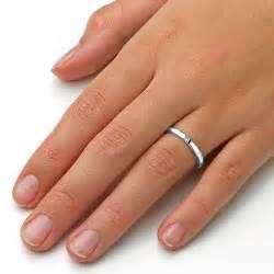 verlobungsring spannring verlobungsring infinity in 18k weißgold mit diamant 0 03ct verlobungsringe de