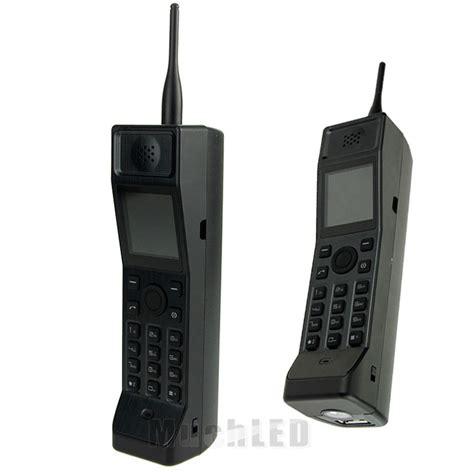 fm radio on my phone classic vintage brick cell phone black retro mobile