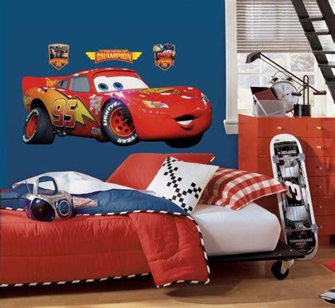 decoration cars pour chambre papier peint enfant idées inspirées par les d