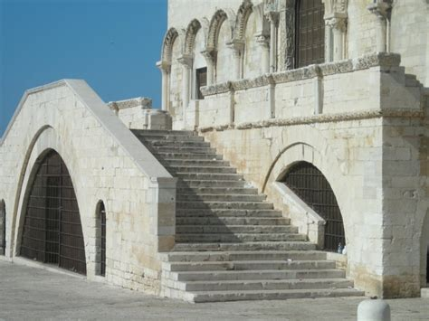 Cattedrale Di Trani Interno - la cattedrale di trani apiediperilmondo