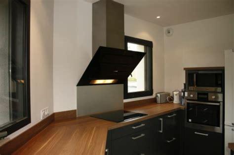 hotte de cuisine noir une hotte pour cuisine beaucoup des idées archzine fr