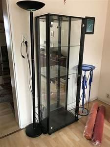 Wohnzimmerschrank über Eck : glasvitrine kaufen glasvitrine gebraucht ~ Buech-reservation.com Haus und Dekorationen