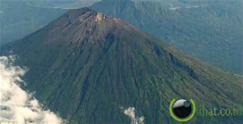 Wanita Datang Bulan Di Tempat Umum 7 Gunung Yang Paling Angker Dan Seram Di Indonesia Dunia