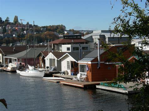 Living On A Boat In Seattle by Bestand Seattle Eastlake Floating Homes 03 Jpg