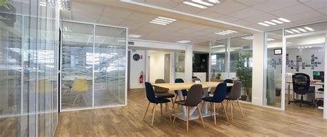 cloison bureaux pose de cloisons vitrées amovibles de bureaux simple ou