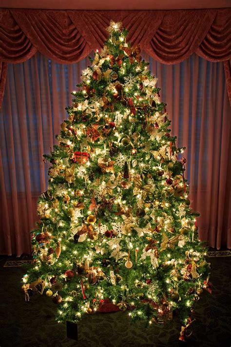 incredible christmas tree decorations