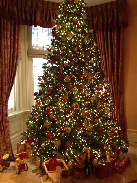 travel christmastime in london the savvybostonian