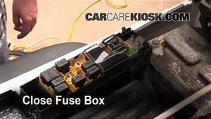 Replace A Fuse  1997-2006 Jeep Wrangler