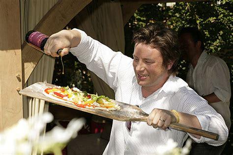 cuisine tv oliver 30 minutes oliver 39 s creative venture thirty minute meals popsugar food