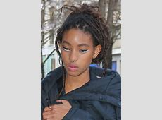 Willow Smith's Hairstyles & Hair Colors Steal Her Style