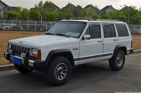 old jeep grand cherokee when will the jeep cherokee be delivered to dealers