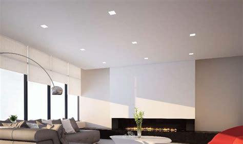 un spot sur un plafond tendu comment le choisir