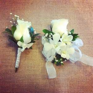 prom wrist corsage matching corsage and boutonnieres for prom les fleurs