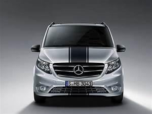 Mercedes Benz Vito : sport line package improves the looks of mercedes benz vito range carscoops ~ Medecine-chirurgie-esthetiques.com Avis de Voitures