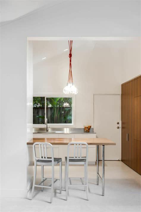 table de cuisine petit espace la table de cuisine pliante 50 idées pour sauver d 39 espace
