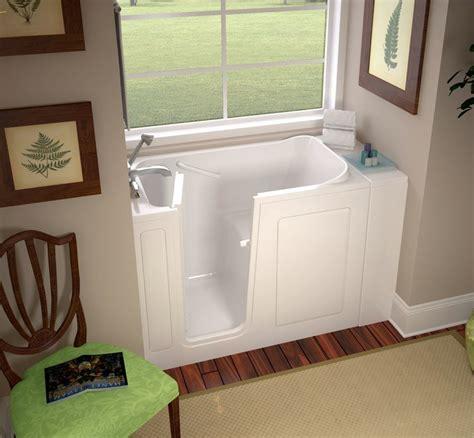 ideen fuer kleines bad design platzsparende badewanne