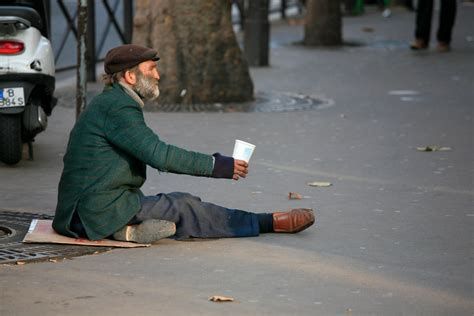 why it 39 s better to give the homeless gift cards