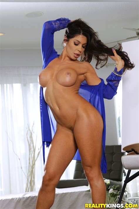 Sexy Brunette Got Naked To Get Nailed Photos Xander