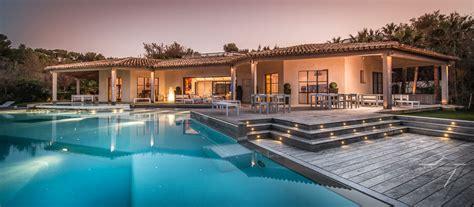 location villa luxe saint tropez piscine chauffee avec vue