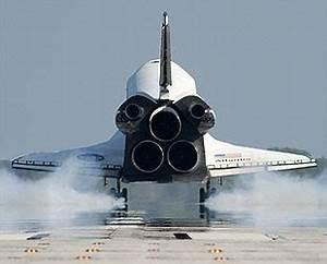 """collectSPACE -- news -- """"NASA delays deciding where ..."""