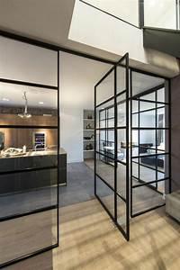Fenetre Interieure Dans Cloison : la cloison vitr e int rieure pour un espace original ~ Melissatoandfro.com Idées de Décoration