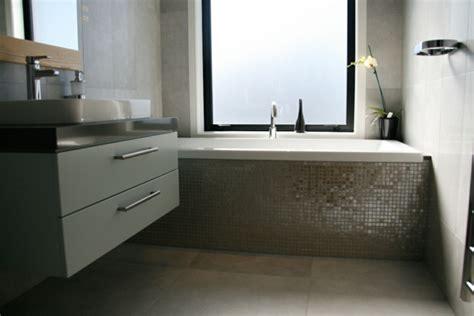 Badezimmer Ideen Mit Eckbadewanne by Badewanne Einfliesen Ideen F 252 R Eine Tolle Badewanne