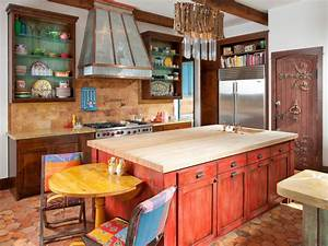 Tuscan kitchen paint colors pictures ideas from hgtv hgtv for What kind of paint to use on kitchen cabinets for sun wall art decor